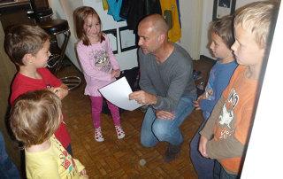 Aufnahme der CD «Samichlaus der alte Mann» mit den Kinderstimmen.