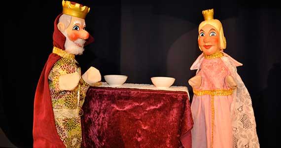 König Ferdinand und Prinzessin Celéstine aus dem Puppentheater «s Supperinzässli».